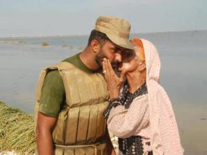 Old Baloch Woman Love for Pakistan Army Solider